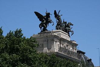 Palacio de Fomento - Sculptures by Agustí Querol Subirats adorning the building
