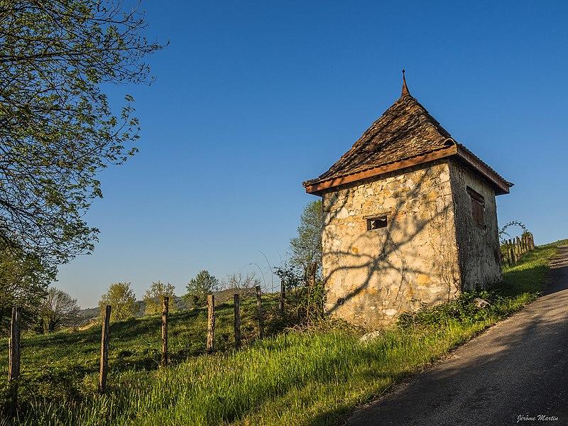 Cabane de vigne à Cressin