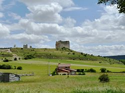 Cabrejas del Pinar - Castillo 03.jpg