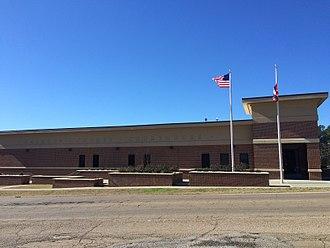 Calhoun County, Mississippi - Image: Calhoun County Mississippi Courthouse January 2016