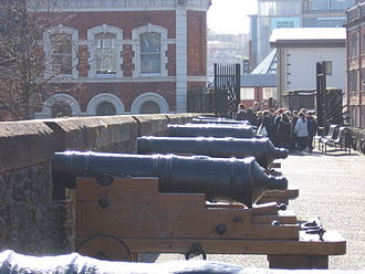 Roaring Meg (cannon) - Cannon on the Walls of Derry
