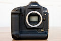 Canon EOS-1Ds Mark II (camera body front view).jpg