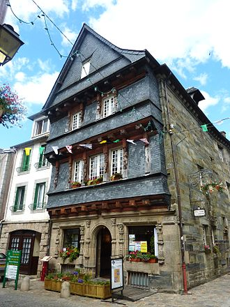 Carhaix-Plouguer - The 16th century house of the Seneschal, now the tourist information office