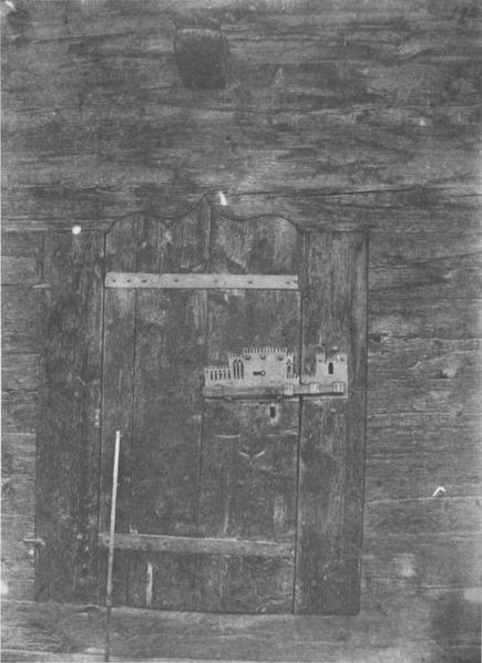 File:Castello d'introd, porta nel fienile annesso al castello, fig 192, nigra.tiff