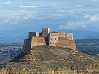 Castillo de Monzon (15530066601).jpg
