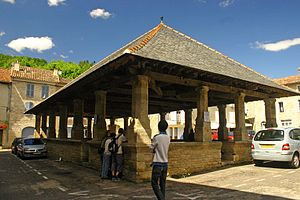 Hall (concept) - Market hall and town square in Caylus, Tarn-et-Garonne, France.