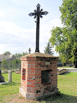 Cemetery in Wisznice (closed) - trihedral tombstone - 01.jpg