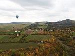 Chabaně, letecký pohled s balónem (2).jpg