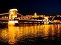 Chain bridge and Buda castle at night - panoramio.jpg