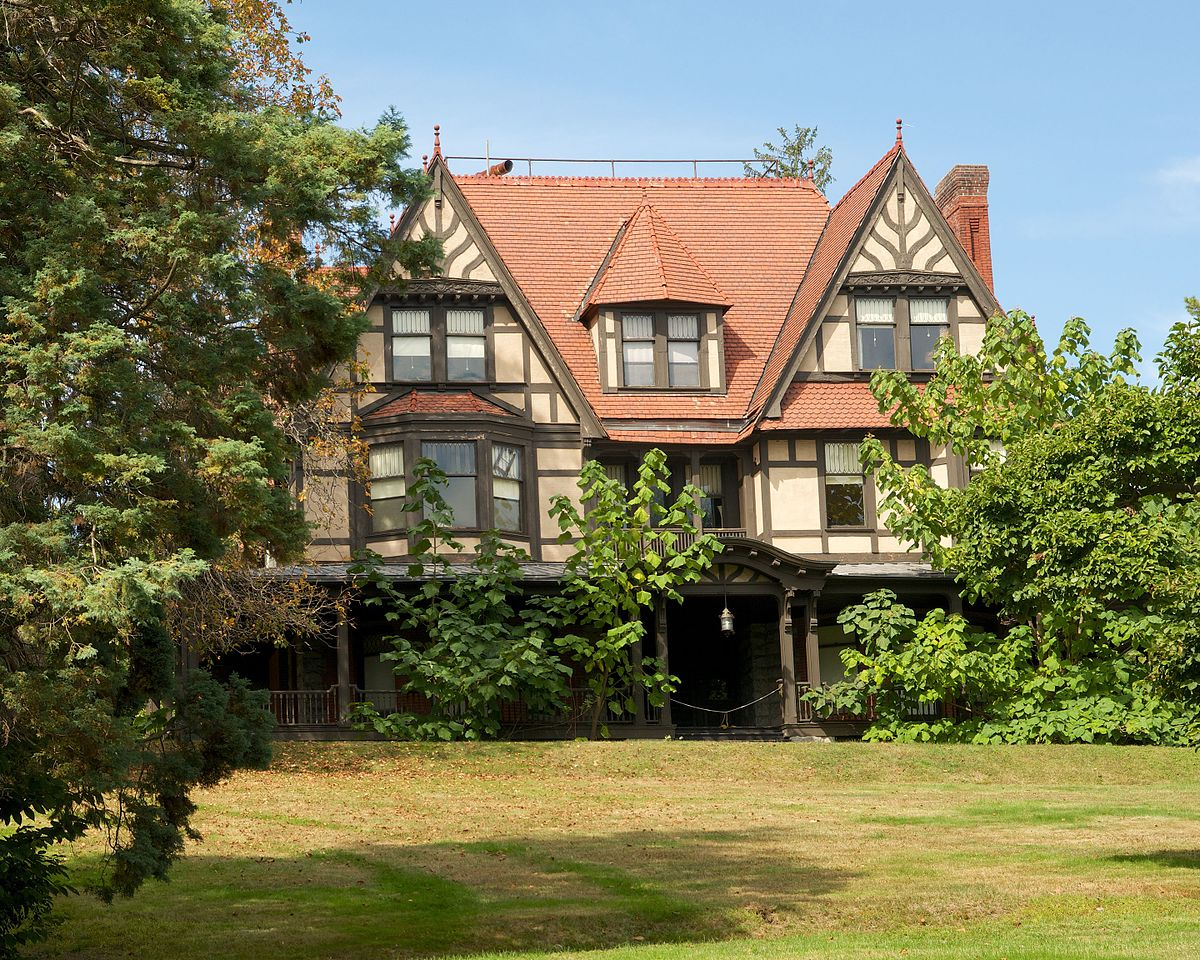 The Oakland Home Of Patrick Printy: Charles S. Shultz House