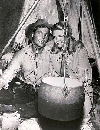 Bronco (TV series) - Ty Hardin and Nina Shipman in Bronco (1962)