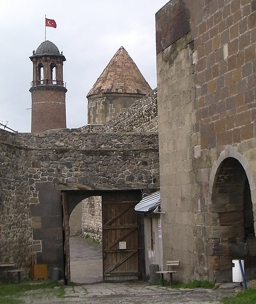 Сурет:Citadel of Erzurum.JPG