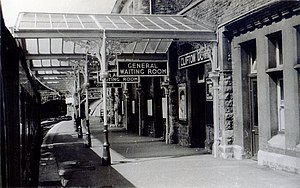 Clifton Down railway station - The Bristol-bound platform in 1956, with the glass canopy.