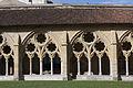 Cloître de la cathédrale de Bayonne-Arcs du cloître-20121028.jpg