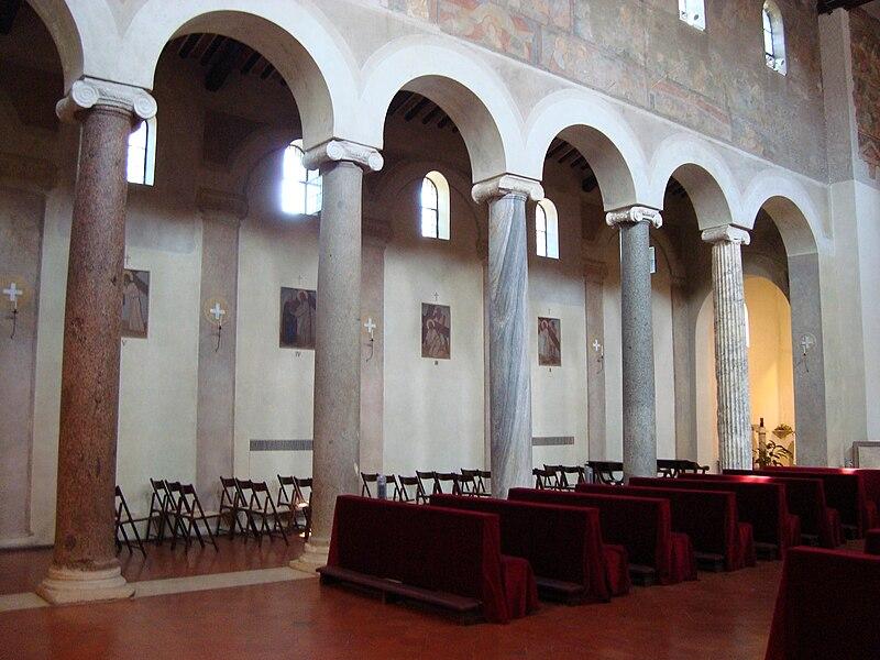 File:Colonnes église San Giovanni a Porta Latina.JPG
