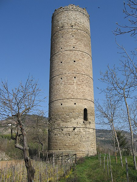 File:Cortemilia torre.jpg