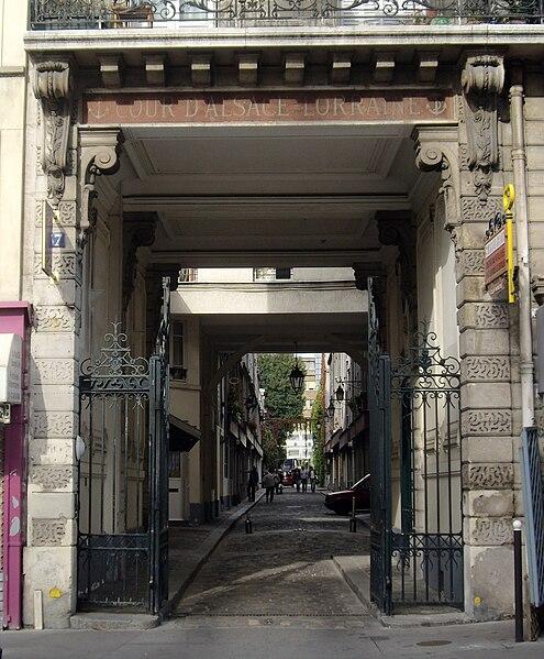 File:Cour d'Alsace-Lorraine, Paris 12.jpg