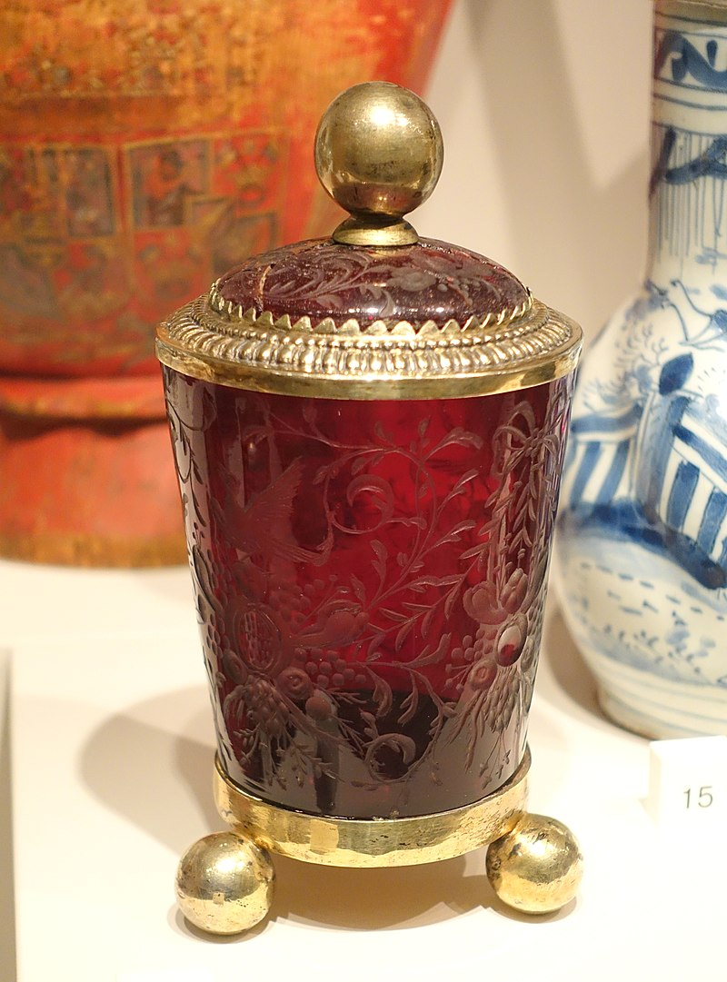 Covered beaker, by Tobias Baur, Augsburg, Germany, 1690s, cut and engraved ruby glass with silver gilt mountings - Nordiska museet - Stockholm, Sweden - DSC09783.JPG
