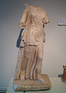 Cult statue of Artemis Bathyria, from the sanctuary of Artemis (at the river mouth of Baphyras River), Archaeological Museum, Dion (6933927602).jpg