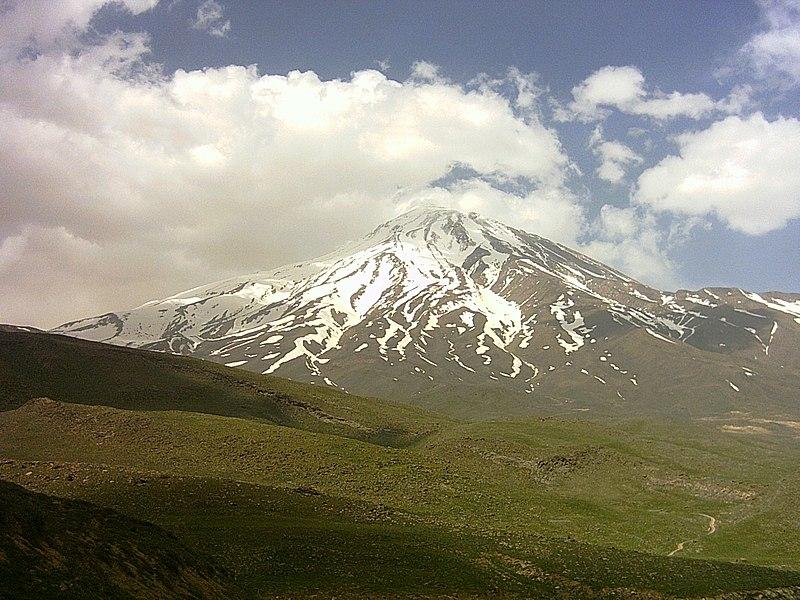 پرونده:Damavand mountain from Rineh Iran (5671) - Information in Page 2 - panoramio.jpg