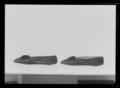 Damsko, pumps, (till högerfot) av svart sidenatlas - Livrustkammaren - 69502.tif