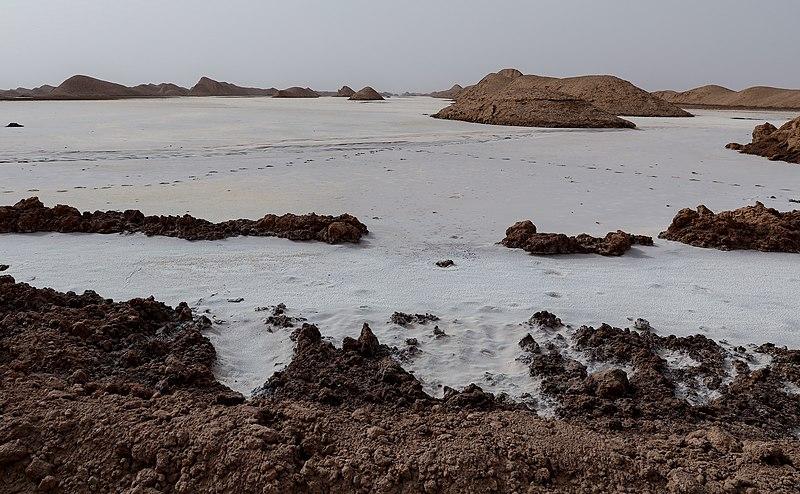 File:Dasht-e Lut Salt Desert in Kerman Province (Iran) 04.jpg