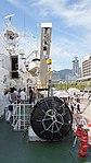 Deck crane(right) of JCG Settsu(PLH-07) at Port of Kobe July 22, 2017 03.jpg
