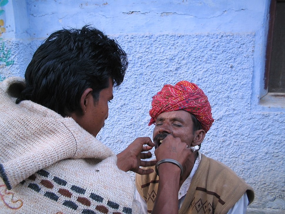 Dental extraction, in the streets India