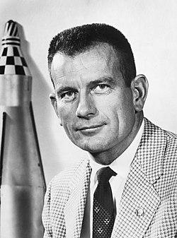 [Obrazek: 250px-Donald_K._Slayton_(1960).jpg]