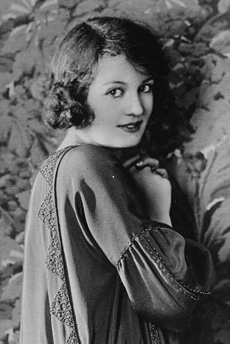 Doris Kenyon - Kenyon (ca. 1922)