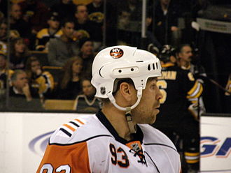 Doug Weight - Weight with the New York Islanders in 2008