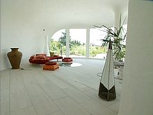 Earth house interior1.jpg