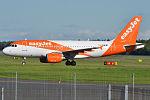 EasyJet, G-EZBW, Airbus A319-111 (17586614046) (2).jpg