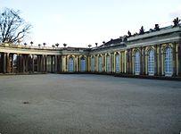 Ehrenhof Sanssouci.jpg