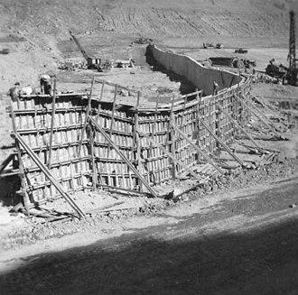 Eildon Dam - Image: Eildon Construction 1954