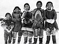 Enfants Inuits 1925.jpg