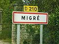 Entrée du village de Migré.JPG