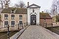 Entrance building of beguinage of Brugge, Begijnhofbrug-9896.jpg
