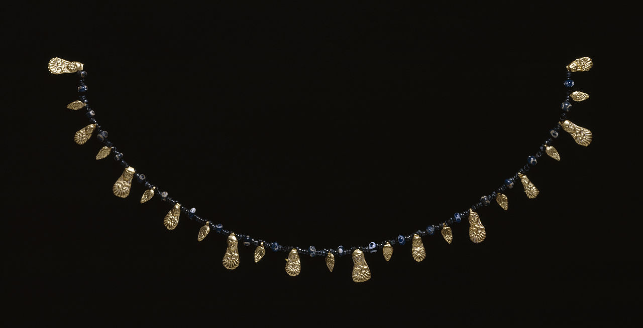Etruscan - Etruscan Necklace with Relief Pendants - Walters 571676.jpg