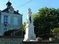 FR 17 Saint-Séverin-sur-Boutonne 09 Monument aux morts.jpg