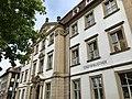 Fassade Palais Stutterheim mit Stadtbibliothek.jpg