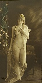 Female nude by Charles Gilhousen.jpg