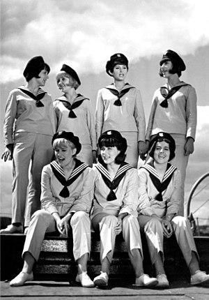 Filipinki - Filipinki in the Polish movie Being a sailor it's a men's adventure, 1966.