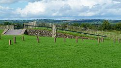Flickr - bastique - Newgrange adjacent structures.jpg