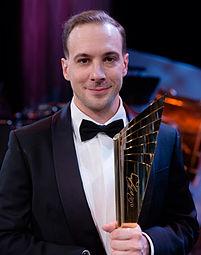 Florian Teichtmeister Nestroy-Theaterpreis 2015.jpg