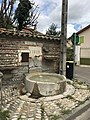 Fontaine de la rue Centrale (Beynost, France) - 4.JPG