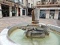 Fontana a Nimes.jpg