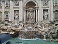 Fontana di trevi Raining.jpg