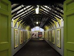 Footbridge, Birkenhead Central 1.jpg