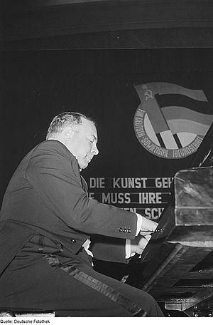Lev Oborin - Image: Fotothek df roe neg 0006204 002 Auftritt des Pianisten Lew Nikolajewitsch Oborin